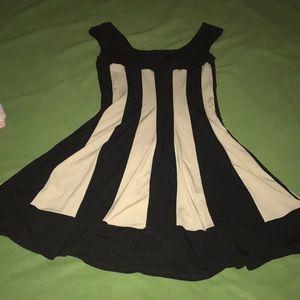 Woman's Black & Cream Stripped Dress Size 6 Formal